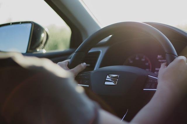 steering-wheel-2209953_640.jpg